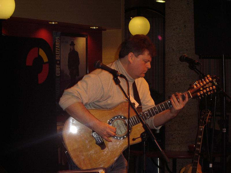 Bozo op Acoustic Strings Festival
